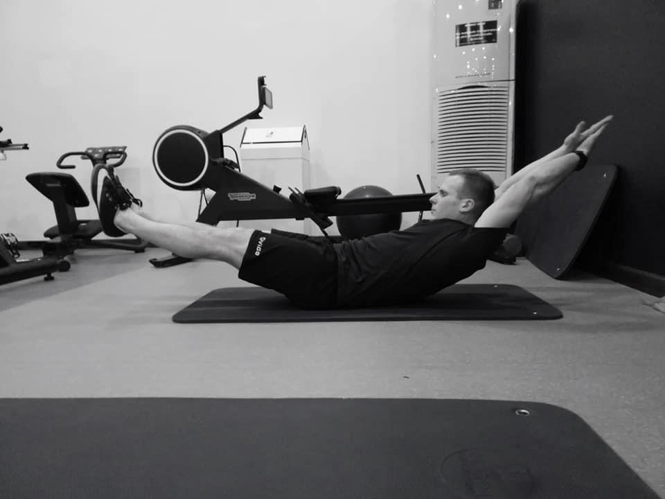hollow body ćwiczenia