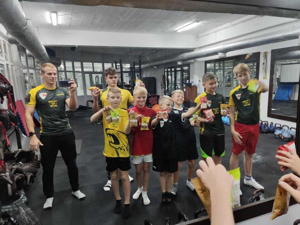 ćwiczenia grupowe na siłowni dla dzieci