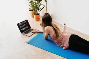 Trener personalny Online trening w domu przez internet