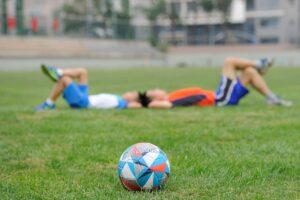 ćwiczenia dla piłkarzy po treningu piłkarskim w klubie