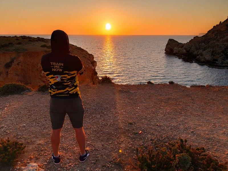 trainmenow Malta zachód słońca